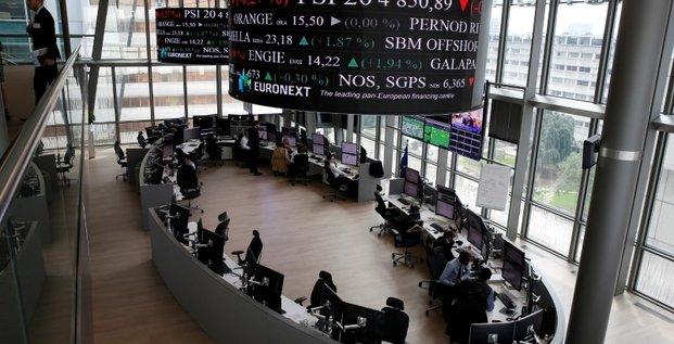 Pres de 1,4 million de particuliers actifs en bourse en 2020, selon l'amf