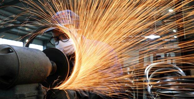 Chine: la reprise industrielle ralentit en janvier avec le retour du coronavirus
