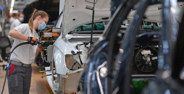 Le marche automobile europeen s'est effondre d'un quart en 2020