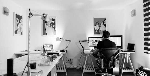 Bureau travail ordinateur