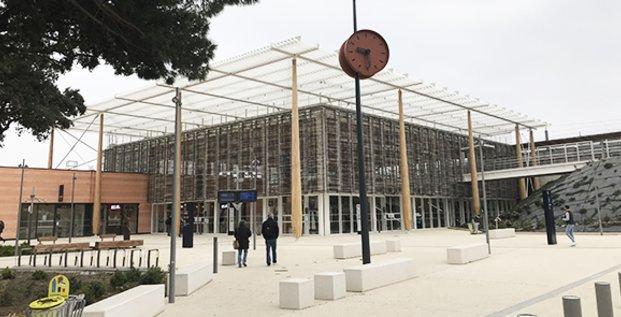 Gare TGV Nîmes Pont-du-Gard