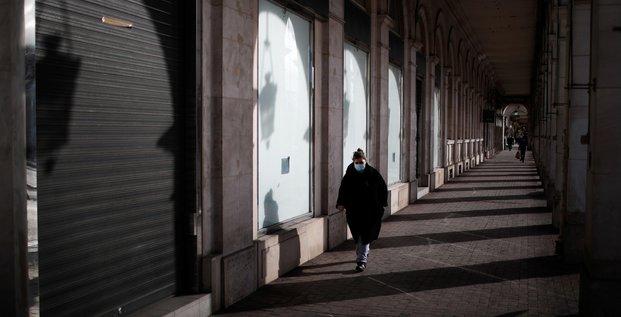 150.000 commerces fermes avec les nouvelles mesures sanitaires, selon le ministere de l'economie