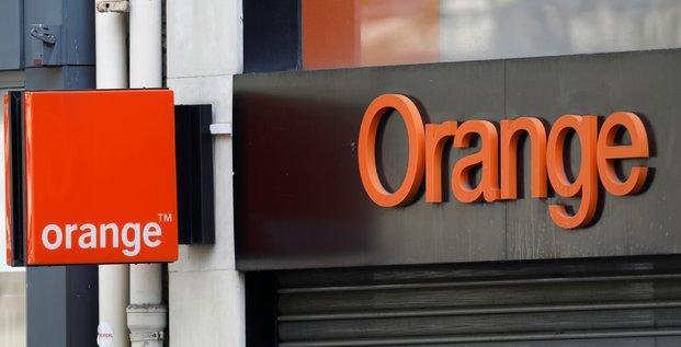 Orange voit son benefice legerement reculer au premier trimestre
