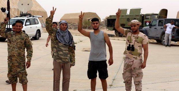 Libye: les forces d'haftar disent se replier de 2-3 km des abords de tripoli