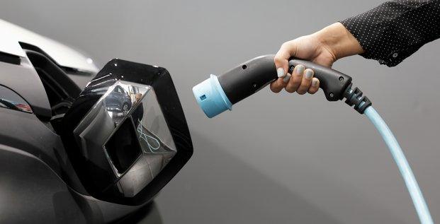 Renault annonce un objectif de 90% de vehicules electriques en 2030