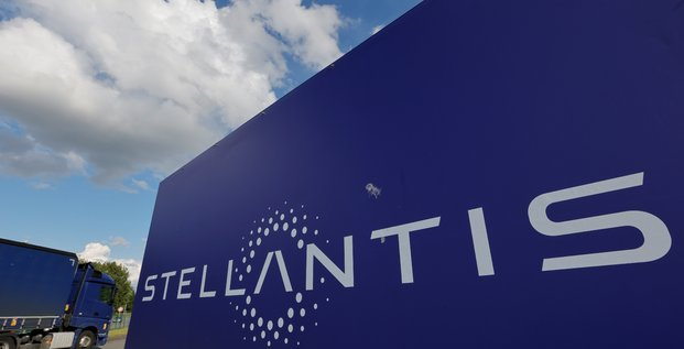 Stellantis proche d'un accord pour une gigafactory de batteries en italie, selon des sources