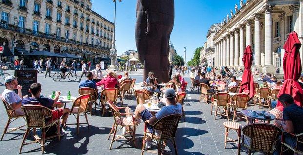 Terrasse dans le centre-ville de Bordeaux