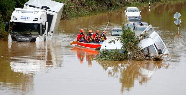 Le bilan des inondations en europe depasse 150 morts