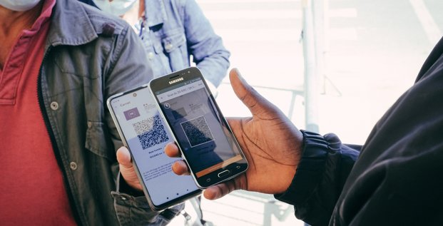 pass sanitaire, QR code, smartphone