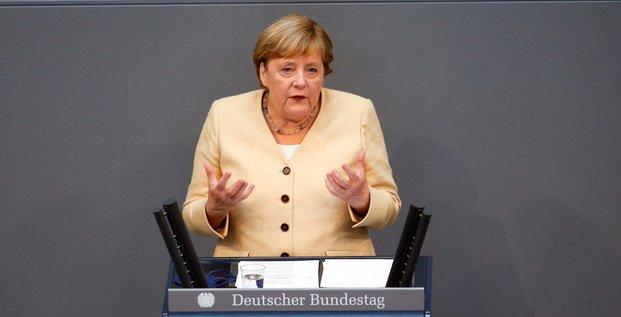 Allemagne: merkel appelle a soutenir les conservateurs, au plus bas dans les sondages