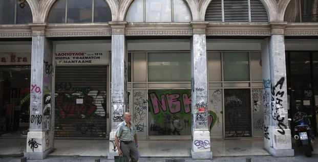 La récession s'atténue en Grèce mais la déflation s'accentue