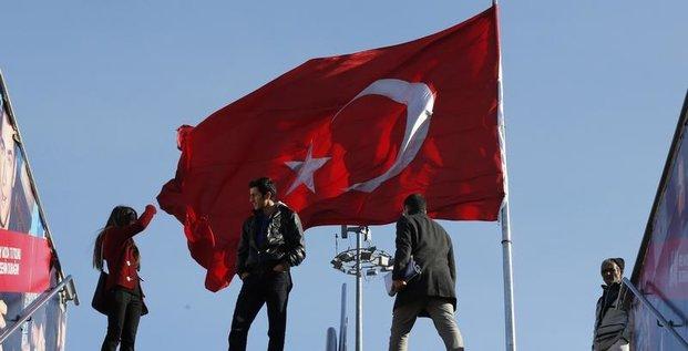 La crise politique risque de ternir la bonne image de la Turquie