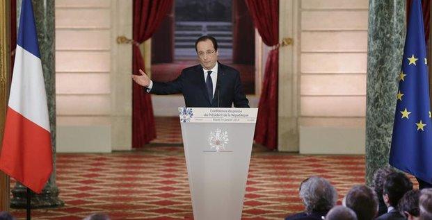 Hollande parle d'initiatives franco-allemandes pour relancer l'UE