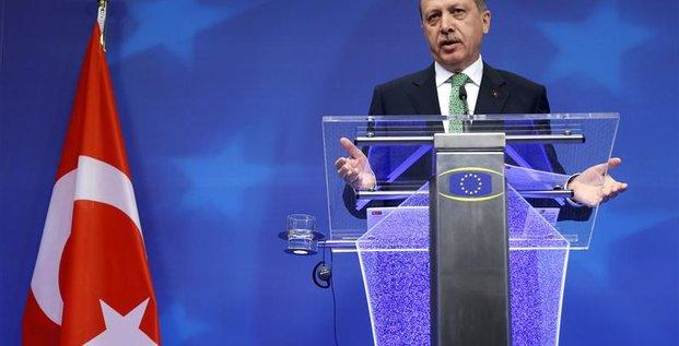 Erdogan subit les critiques des Européens à Bruxelles