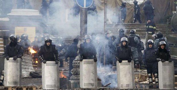 Occident et Russie s'accusent de forcer la main à l'Ukraine