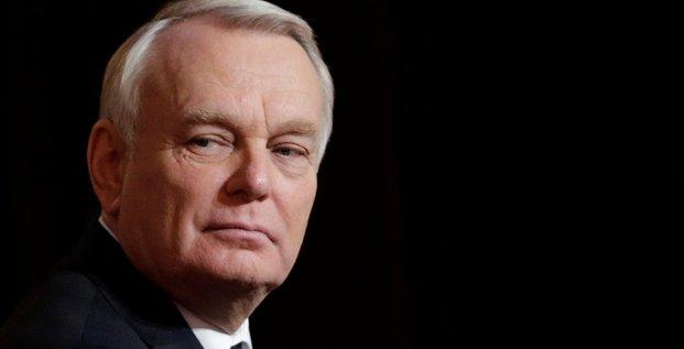 Ayrault appelle les forces démocratiques à faire barrage au FN