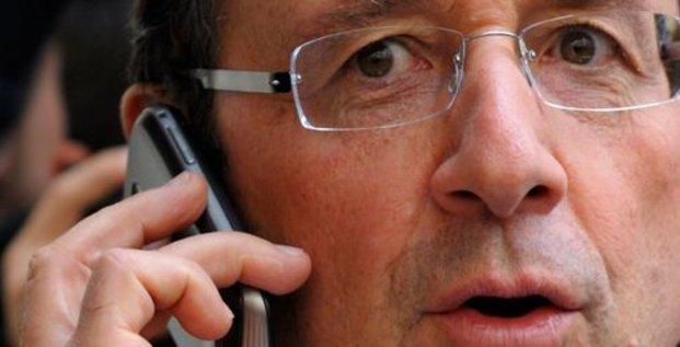 Hollande au téléphone