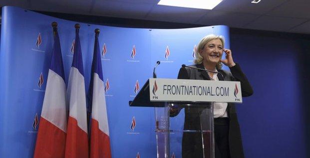 Le FN gagne 11 villes et Marine Le Pen son pari