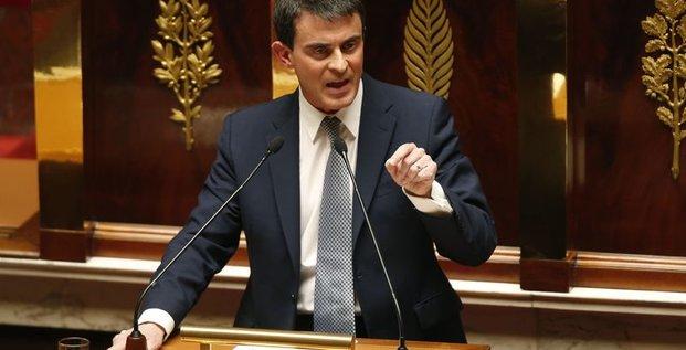 La popularité de Manuel Valls grimpe en flèche
