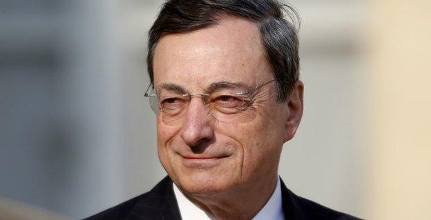 Draghi évoque la possibilité d'un plan élargi de rachat d'actifs
