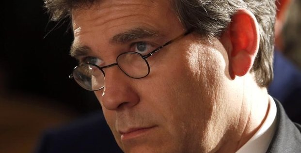 Montebourg va rencontrer GE sur fond de discussions avec Alstom