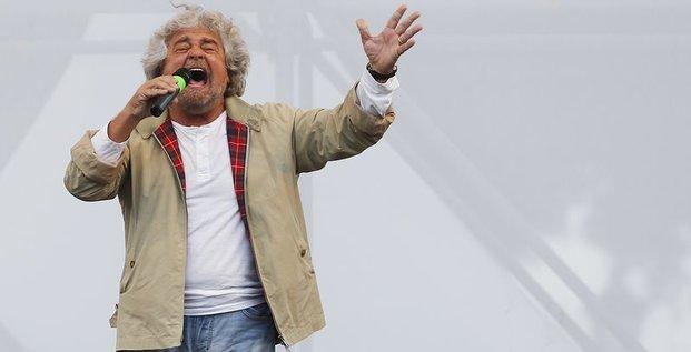 Beppe Grillo espère créer à nouveau la surprise en Italie