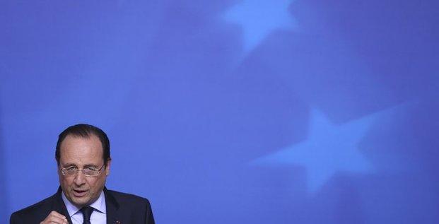Les affaires font le jeu des extrêmes, juge François Hollande