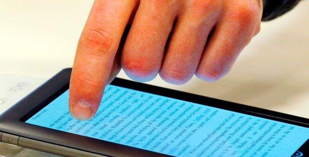 L'UE examine un contentieux entre Amazon et Hachette sur l'e-book