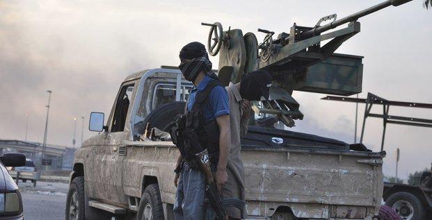 Obama n'exclut pas des frappes aériennes contre l'EIIL en Irak