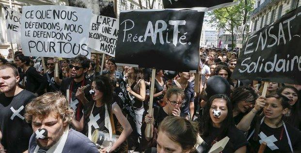 Manuel Valls fait un geste d'apaisement envers les intermittents