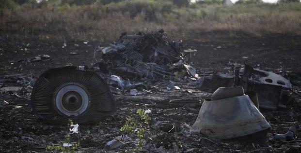 Vol MH17: Kiev accuse les séparatistes de détruire des preuves