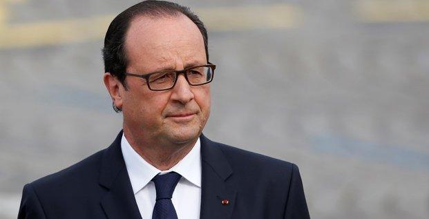 Hollande exclut plus d'économies pour arriver à 3% de déficit