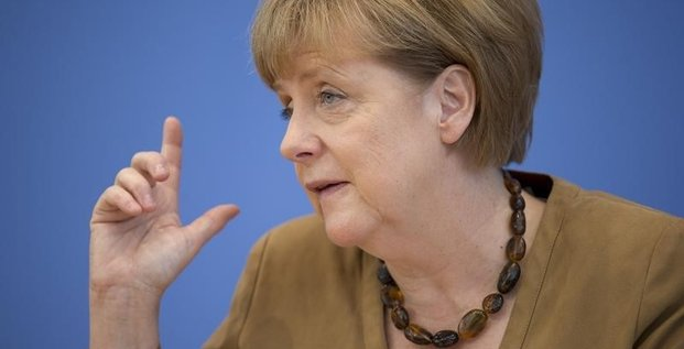 Angela Merkel à Kiev pour tenter d'obtenir une trêve en Ukraine