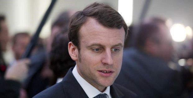 Emmanuel Macron remplace Arnaud Montebourg à l'Economie