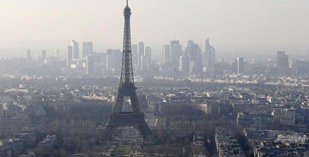 Paris dit ne pas avoir été averti d'une dégradation de sa note