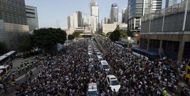 Le gouvernement de Hong Kong appelle à éviter les manifestations