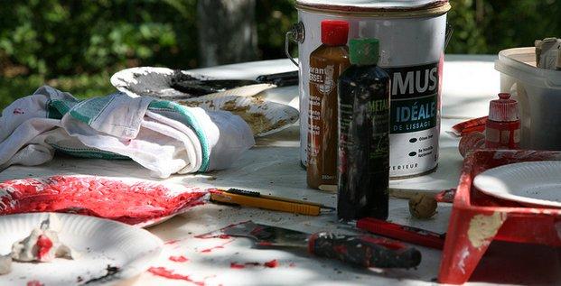 Bricolage et peintures par Vincent Desjardin. Via Flickr CC License by.