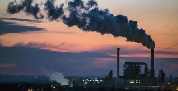 Legere baisse de la production industrielle allemande