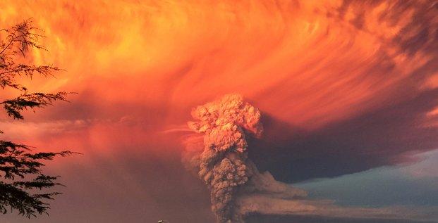 Éruption du volcan de Calbuco, Chili, 22 avril 2015