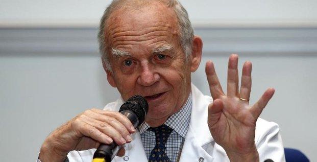 Un coeur artificiel carmat implante chez un troisieme patient