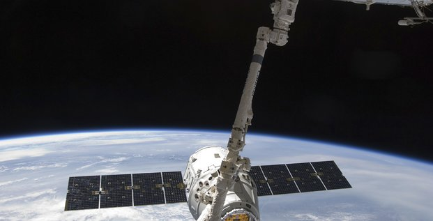 Space X s'amarre à la station spatiale internationale