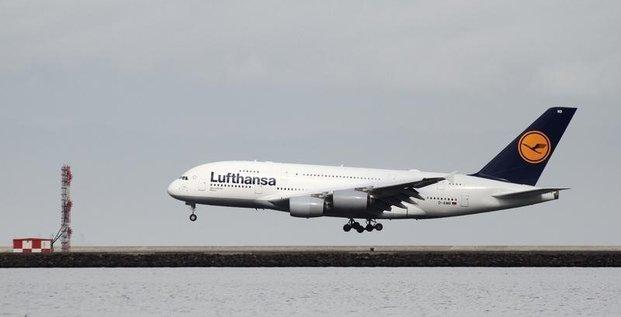 Lufthansa juge devoir de nouveau agir sur les couts