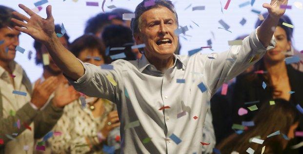 Mauricio macri cree la surprise au 1er tour de la presidentielle argentine