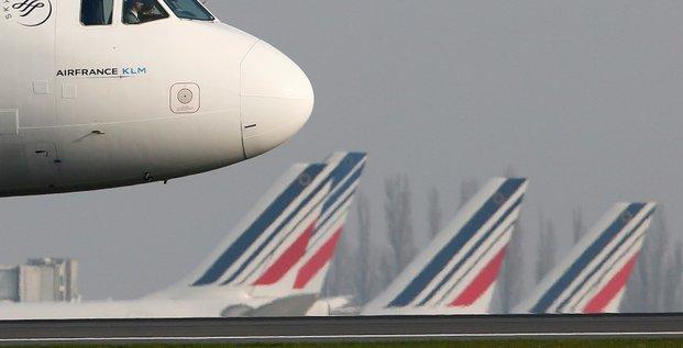 Air france propose trois nouveaux types de contrat de travail a ses pilotes