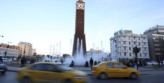 Le gouvernement tunisien prolonge l'etat d'urgence de deux mois
