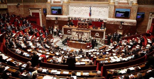 Le parlement donne son feu vert a une prolongation de l'etat d'urgence