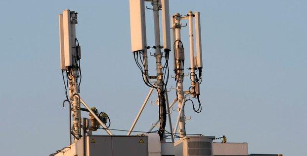 L'arcep demande a bouygues telecom et sfr de respecter leurs obligations sur la 4g