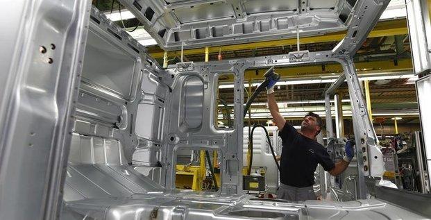 L'indice pmi manufacturier de la zone euro au plus bas d'un an