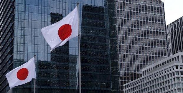 Les grandes entreprises comptent reduire leurs depenses au japon