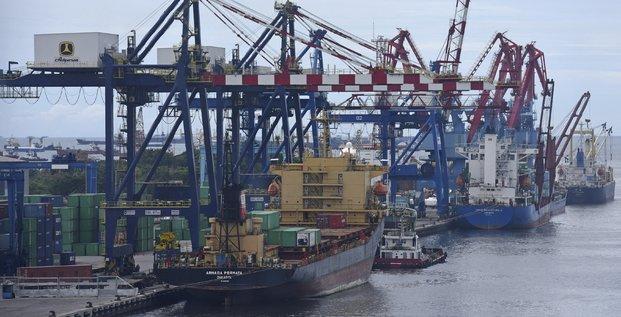 L'omc revoit a la baisse sa prevision de croissance du commerce mondial